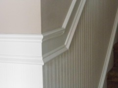 Here is the woodwork and beadboard wall paper up close - Right doesn't it look real.......
