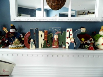 MANTLE My Christmas sign was purchased in a wonderful little craft store right here in upstate NY