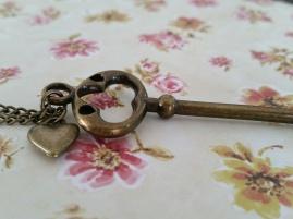 https://www.etsy.com/listing/228423585/antiqued-vintage-bronze-key-necklace?ref=listing-shop-header-2