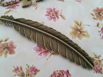 Vintage style Antique Bronze Feather Necklace ~