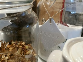 The sugar tag ~ Love how it hangs with the jute cord ~