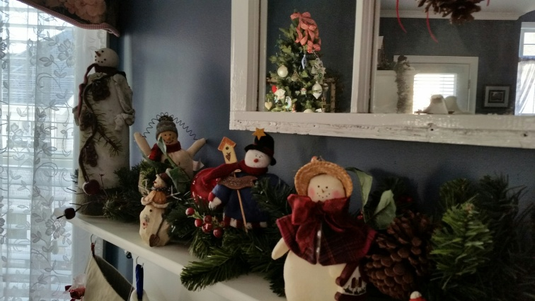 christmas mantel 4